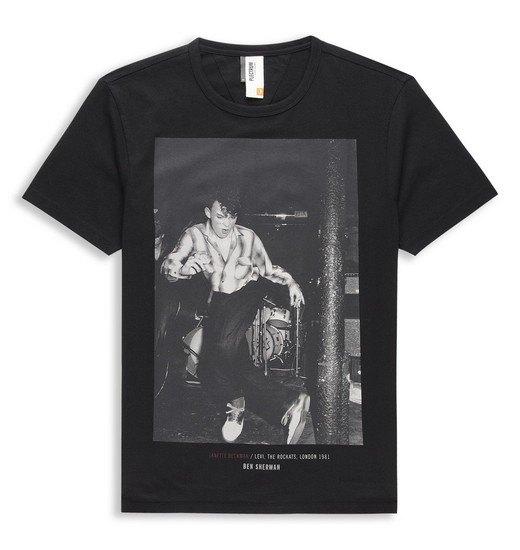 Марка Ben Sherman и музыкальный фотограф Джанет Бекман выпустили совместную коллекцию футболок. Изображение № 4.