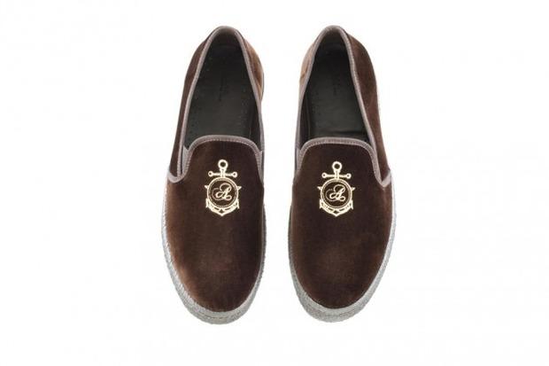 Марка A.P.C. представила коллекцию зимней обуви . Изображение № 8.