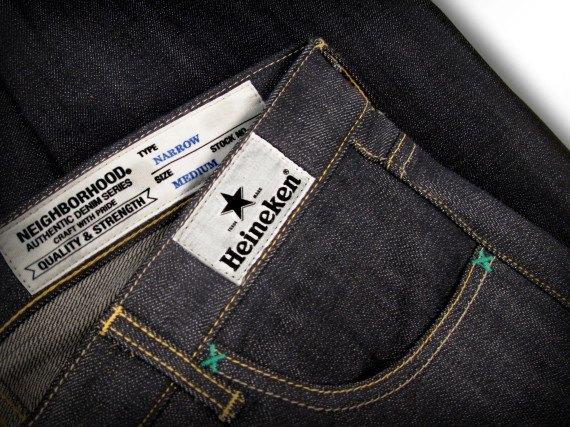 Японский бренд Neighborhood и пивоварня Heineken сшили совместную модель джинсов. Изображение № 8.