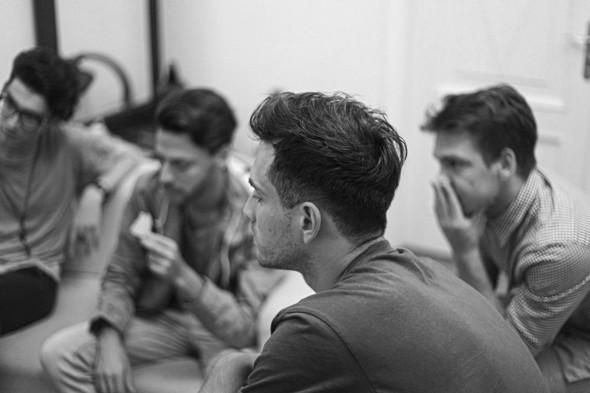 Мужской разговор: Что делать с фанатками, если ты в успешной группе?. Изображение № 16.