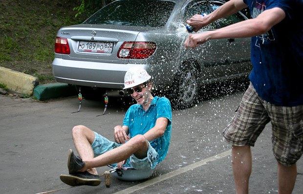 Руководителей «АвтоВАЗа» обяжут ездить на автомобилях Lada. Изображение № 1.