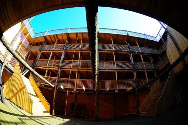 Голландец построил Ноев ковчег в натуральную величину, чтобы спасти свою страну от наводнения. Изображение № 5.