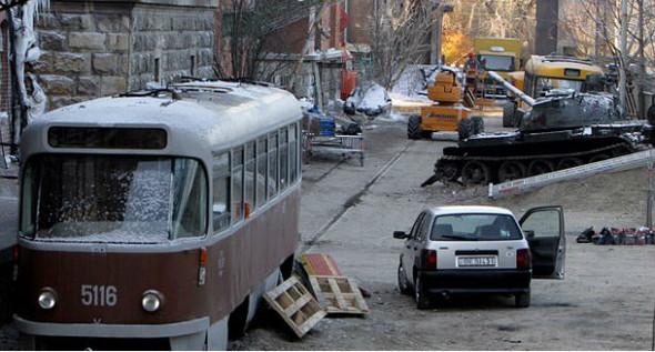 Брэд Питт купил советский танк. Изображение № 2.