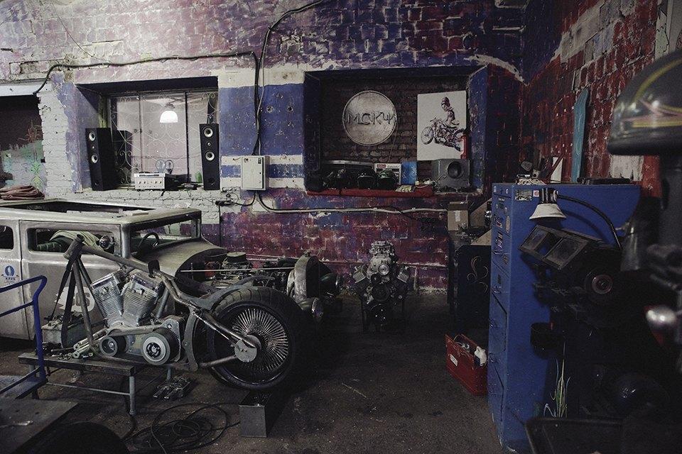 Болгарка, молоток и сварка: Интервью с  Глебом Чёрным, владельцем кастом-ателье мотоциклов . Изображение № 9.