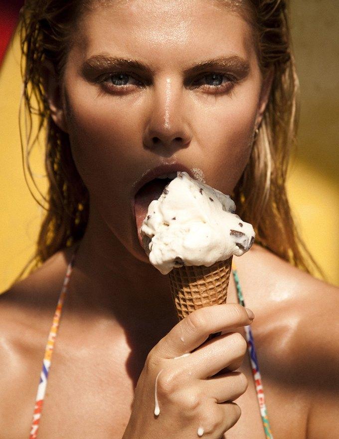 Белорусская модель Марина Линчук снялась для журнала 25 Magazine. Изображение № 3.