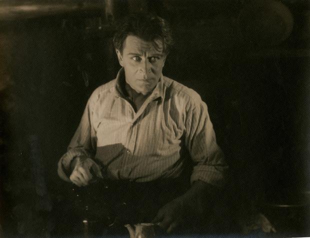 Фотографии потерянного фильма Хичкока продадут на аукционе. Изображение № 3.