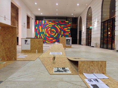 В Италии уборщица выкинула предметы современного искусства, приняв их за мусор. Изображение № 1.
