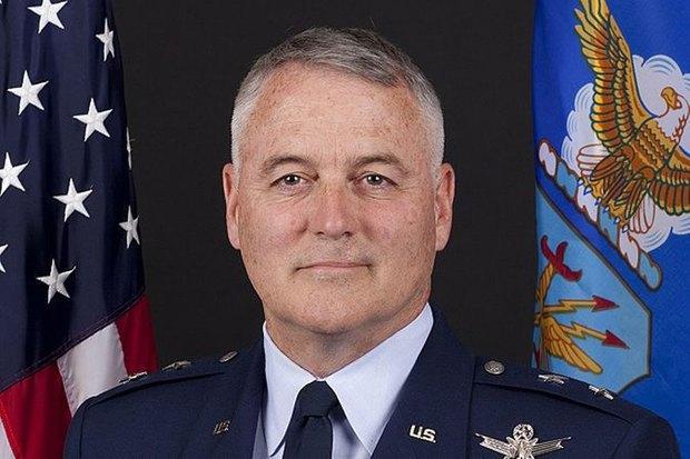 Американского генерала уволили после трехдневного запоя в Москве. Изображение № 1.