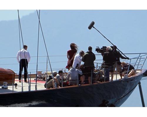 Суперяхта из нового фильма о Бонде продается за 14 миллионов долларов. Изображение № 3.