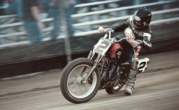 История и особенности мотоциклов для гонок по грязевому овалу —флэт-трекеров. Изображение № 3.