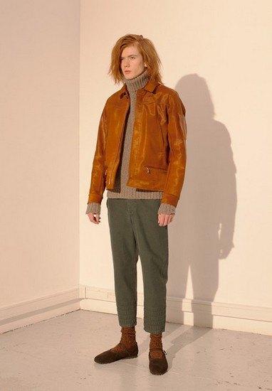 Марка Undercover опубликовала лукбук осенней коллекции одежды. Изображение № 10.
