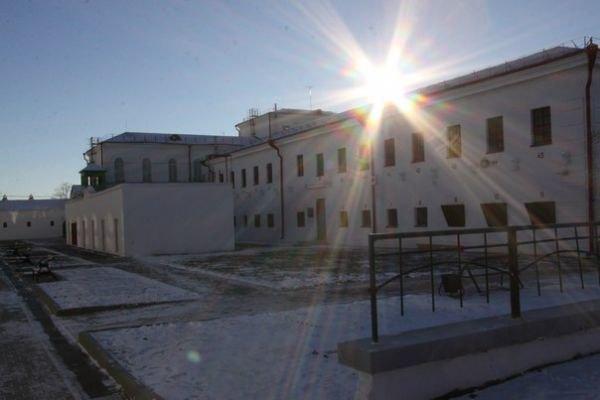 В Сибири откроют тюремный хостел с карцером и баландой. Изображение № 1.