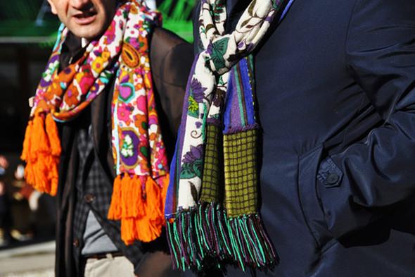 Изображение 44. Шарфы, клатчи, клетчатые пиджаки и подвернутые джинсы.. Изображение № 32.