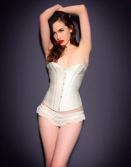 Австралийская модель Сара Стивенс снялась в рекламе Agent Provocateur . Изображение № 39.