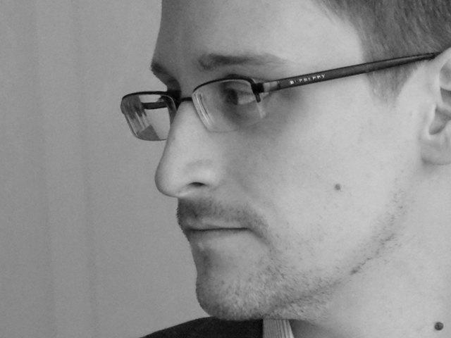 Почему Нобелевскую премию мира должен получить Эдвард Сноуден. Изображение № 1.