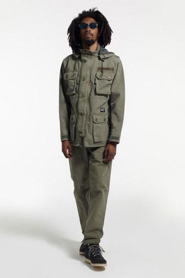 Марка Stussy опубликовала второй лукбук новой коллекции одежды своей линейки Holiday. Изображение № 12.