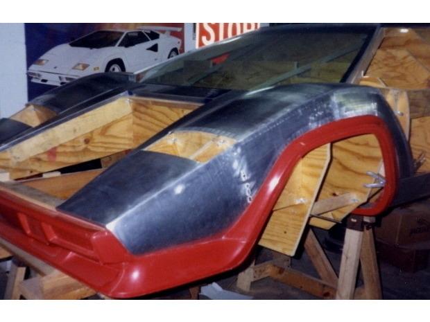 Американец за 17 лет собрал у себя в подвале реплику Lamborghini Countach. Изображение № 9.