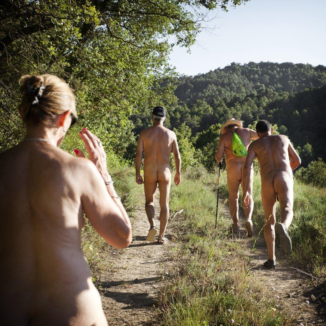 Фотопроект: Как испанские нудисты и нью-эйджеры восстанавливают заброшенные селения. Изображение № 8.