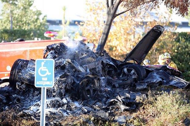 Звезда фильма «Форсаж» Пол Уокер погиб в автокатастрофе. Изображение № 2.