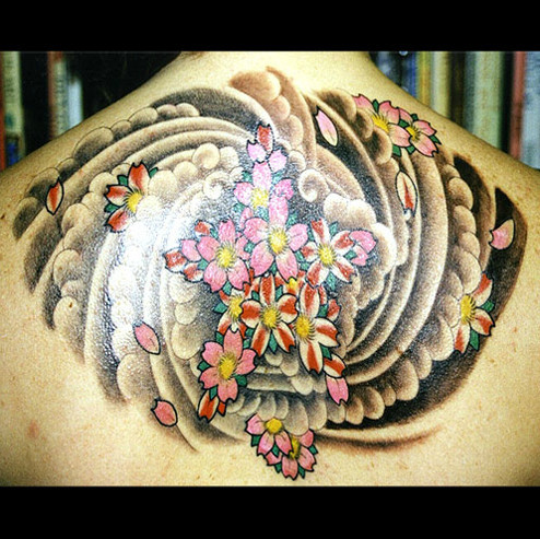 Новое видео о легендарных татуировщиках журнала Vice. Изображение № 6.
