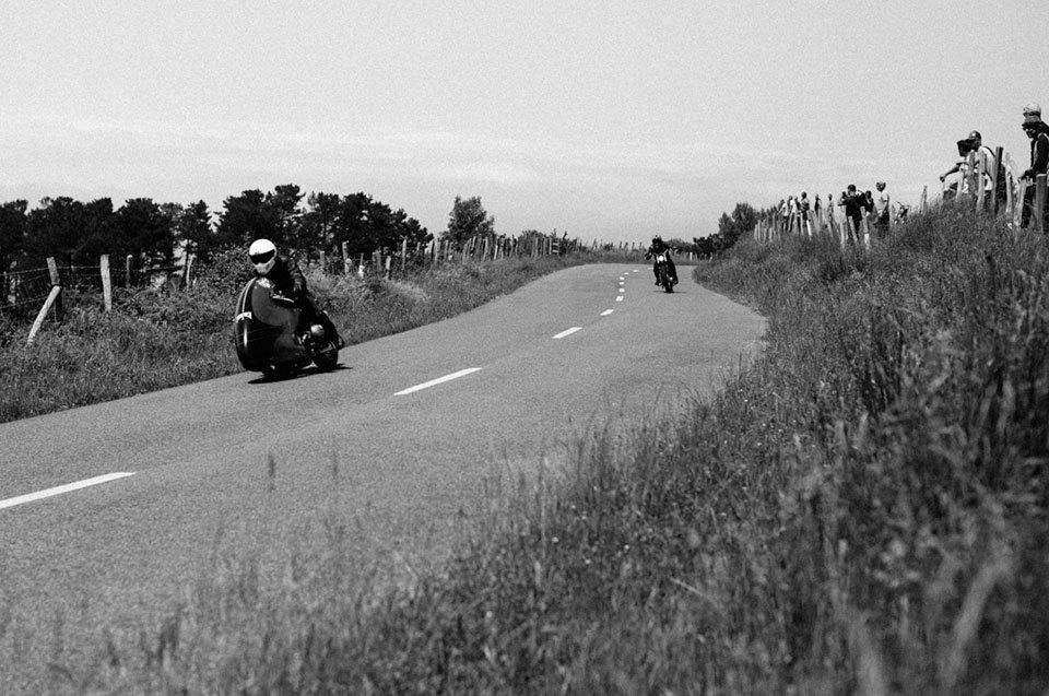 Фоторепортаж с мотоциклетного фестиваля Wheels & Waves. Изображение № 36.
