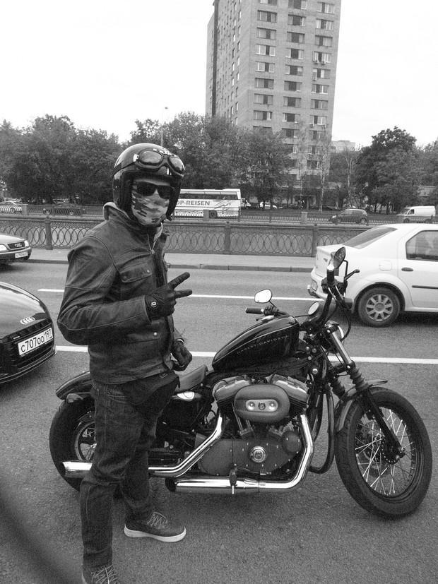 В Москве официально открылся салон мотоциклов Royal Enfield. Изображение № 11.