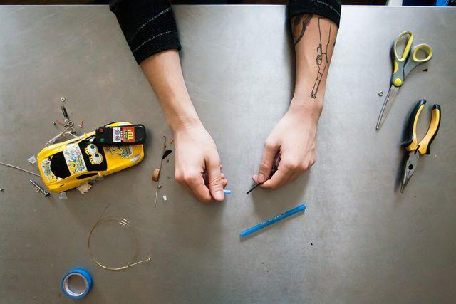 Как сделать тату машинку в домашних условиях своими руками 497