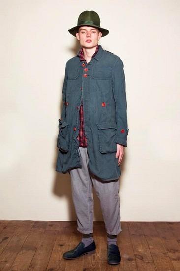 Марка Undercover опубликовала лукбук весенней коллекции одежды. Изображение № 6.