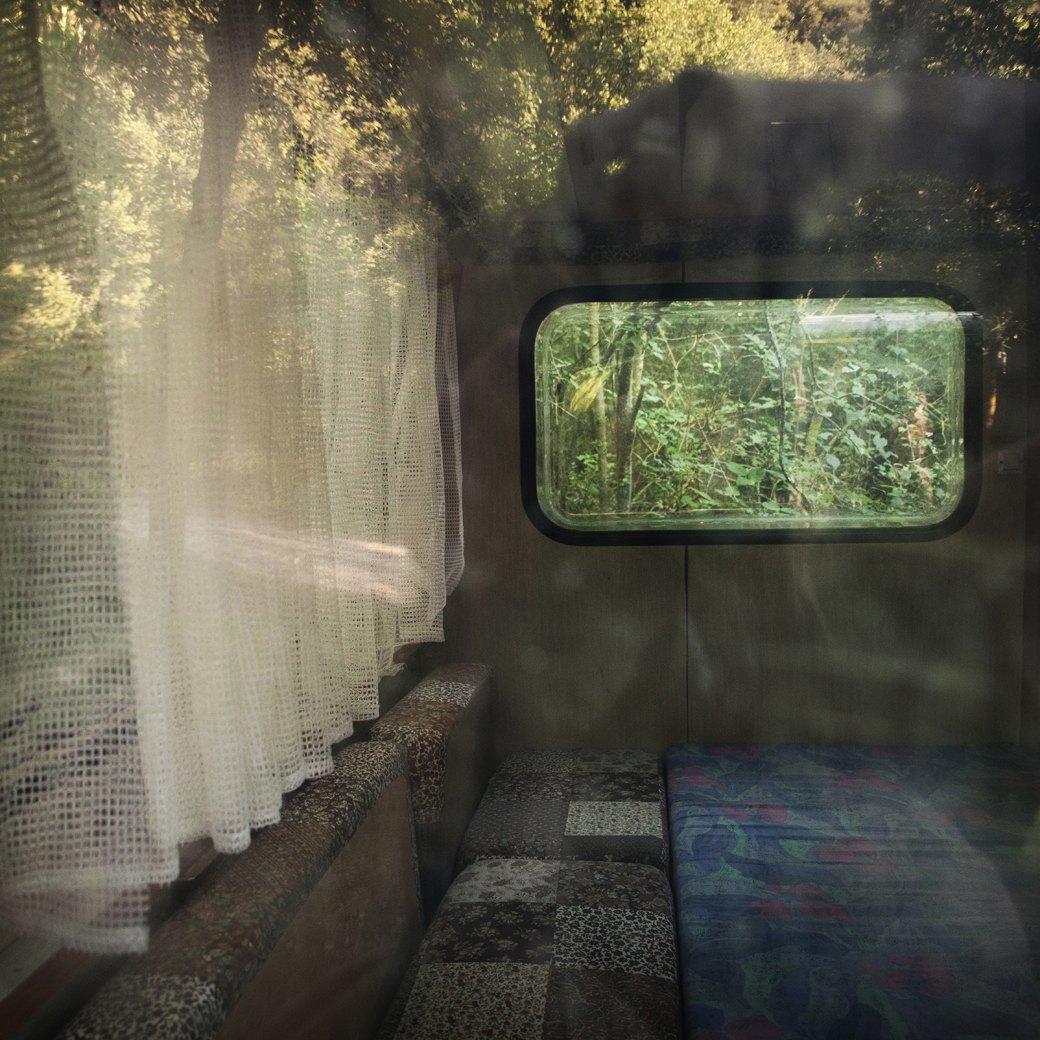 Фотопроект: Как испанские нудисты и нью-эйджеры восстанавливают заброшенные селения. Изображение № 7.