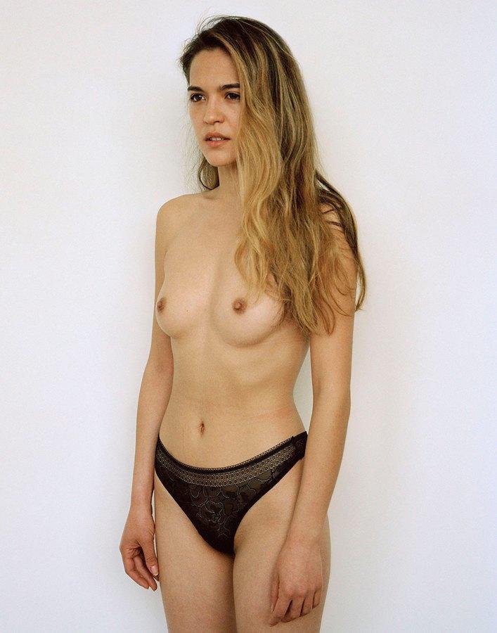 «Мужчина без рубашки не опасен, другое дело – женщина»: Фотопроект Джессики Ятрофски о наготе. Изображение № 7.