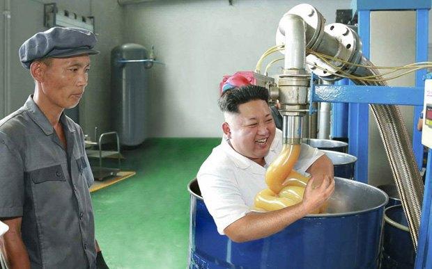 Поход Ким Чен Ына на завод смазок стал новым интернет-мемом . Изображение № 2.