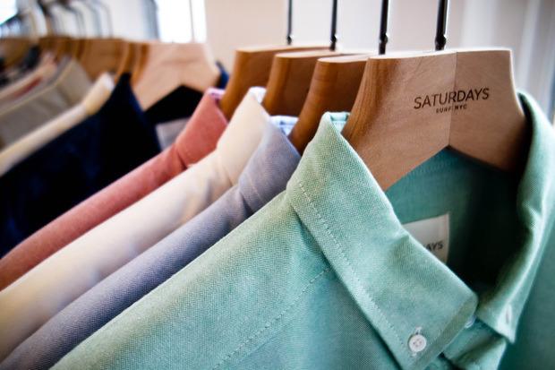 Американская марка Saturdays Surf NYC выпустила превью весенней коллекции одежды. Изображение № 1.