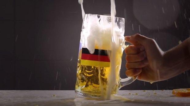 Немцы установили новый пивной рекорд благодаря чемпионату мира по футболу. Изображение № 1.