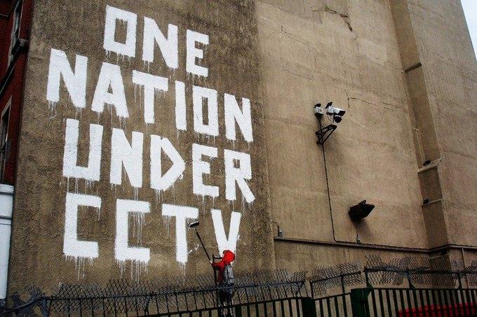 Больше половины британцев голосуют за усиление наблюдения и контроля. Изображение № 1.