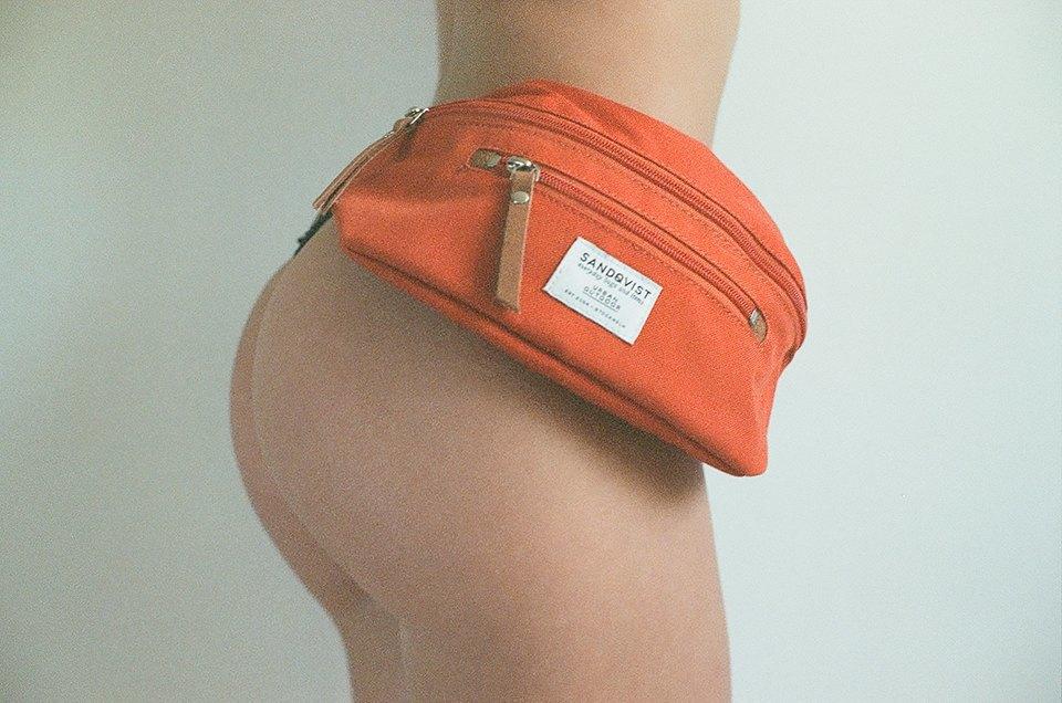 Жопа: Очаровательная ревизия сумок на пояс. Изображение № 5.