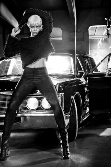Рианна в рекламе нижнего белья Armani. Изображение № 1.