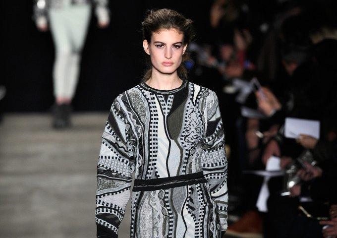 Возвращение Coogi, или Как австралийский свитер вырвиглаз снова вошёл в моду. Изображение № 10.