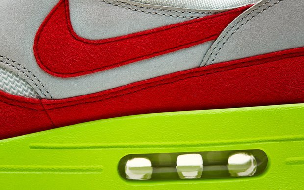 Nike выпустили новую модель сникеров в честь 27-летия кроссовок Air Max. Изображение № 5.