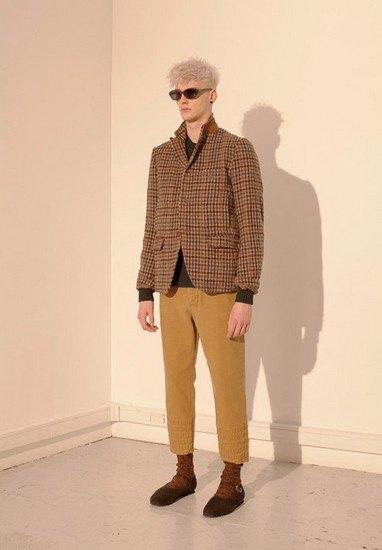 Марка Undercover опубликовала лукбук осенней коллекции одежды. Изображение № 7.