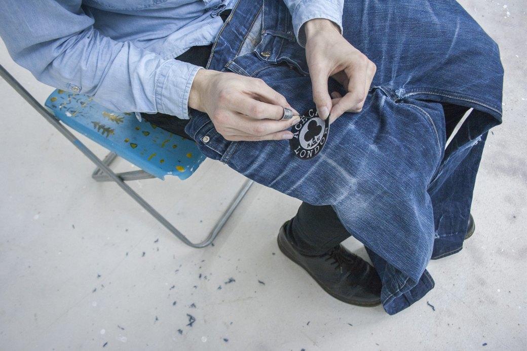 Как кастомизировать любимую пару джинсов. Изображение № 6.