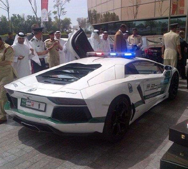 Полицейские Дубая сядут за руль Lamborghini Aventador. Изображение № 2.