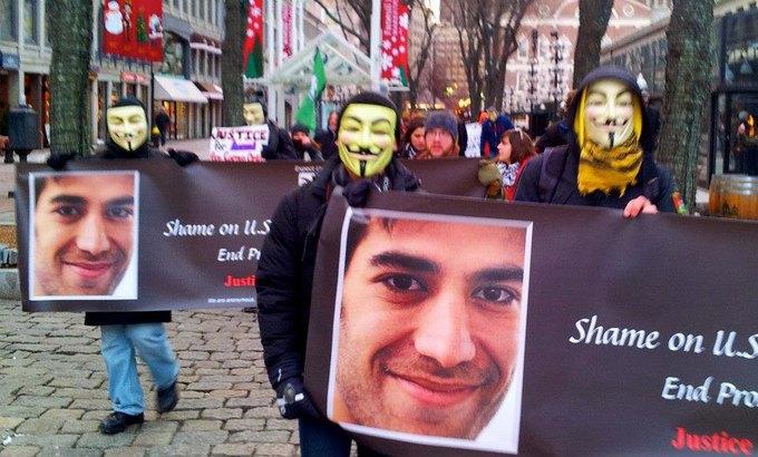 Как воюют хакеры Anonymous: 5 могущественных жертв группировки. Изображение № 3.