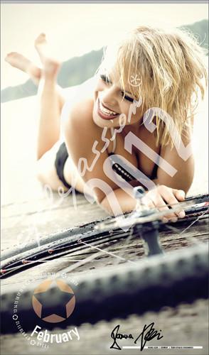 10 эротических календарей на 2012 год. Изображение № 69.