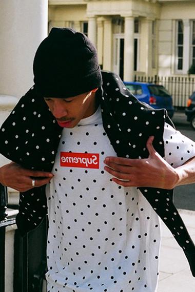 Марки Supreme и Comme des Garсons Shirt выпустили лукбук совместной коллекции одежды. Изображение № 1.