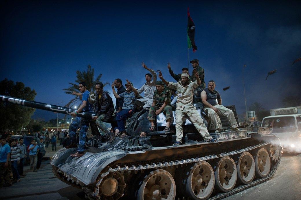 Объективный взгляд: 10 современных военных фотографов . Изображение № 12.