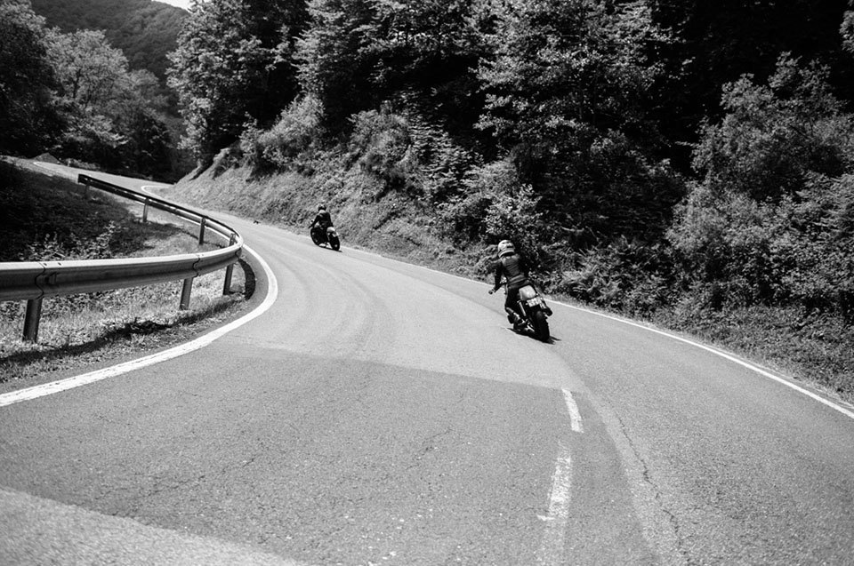 Фоторепортаж с мотоциклетного фестиваля Wheels & Waves. Изображение № 46.