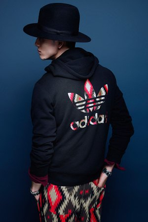 Adidas Originals и Neighborhood выпустили совместную коллекцию одежды. Изображение № 4.