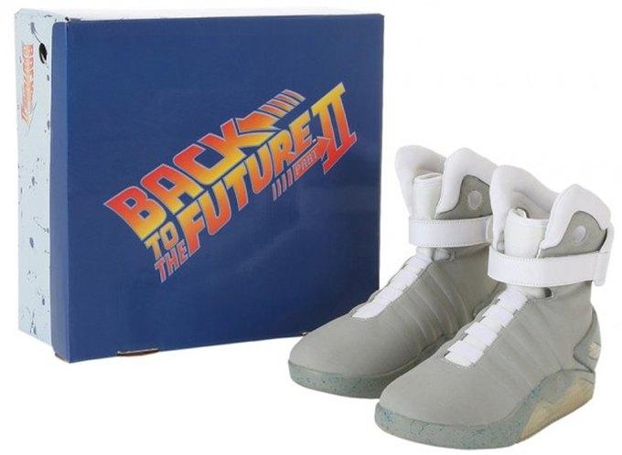 Кроссовки Марти МакФлая из «Назад в будущее 2» появились в продаже. Изображение № 4.
