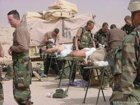 Военное положение: Одежда и аксессуары солдат в Ираке. Изображение № 42.