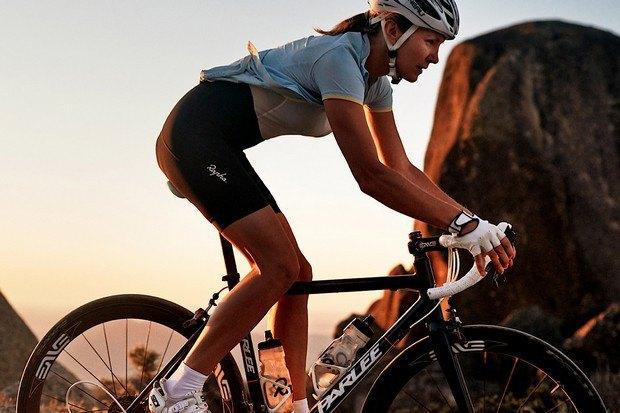 Велосипедная марка Rapha опубликовала весенний лукбук. Изображение № 8.